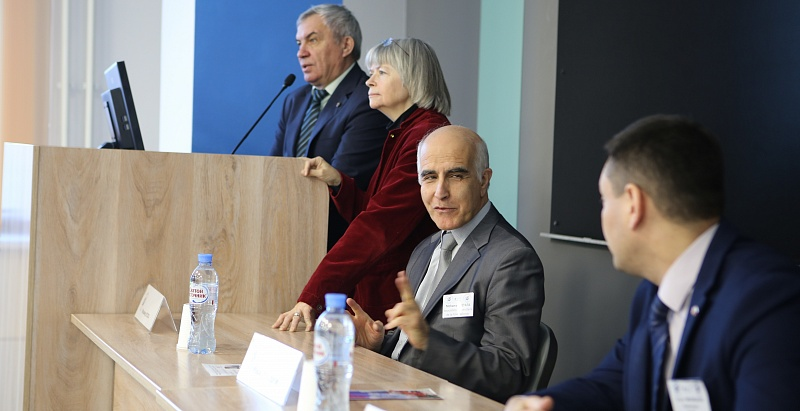 Siberian and French Universities Discuss Cooperation at NSU Conference